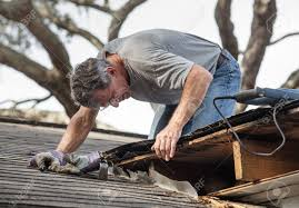 roofer_fixing_the_roof